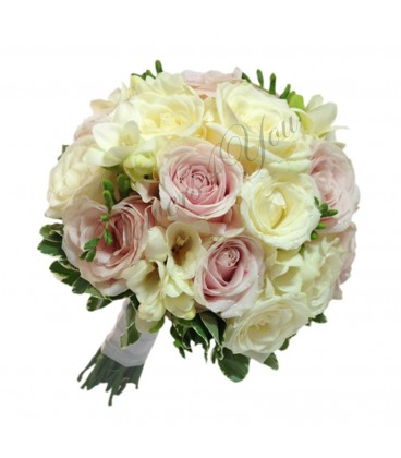 Buchet de mireasa trandafiri roz frezia alba trandafiri albi