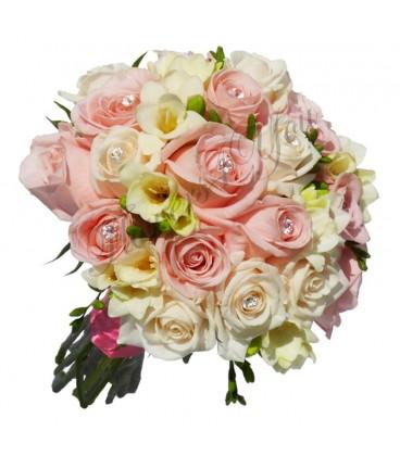 Buchet de mireasa frezia alba trandafiri roz pal cristale