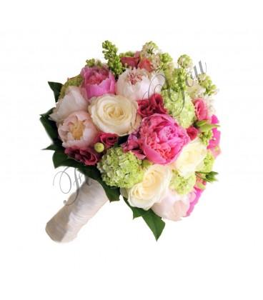 Buchete de mireasa bujori trandafiri lisiantus