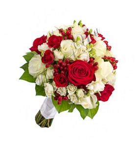 Buchete de mireasa hipericum trandafiri rosii