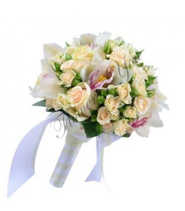 Buchete de mireasa minin trandafiri orhidee