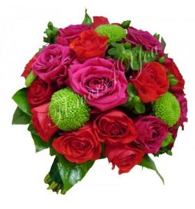 Buchet de mireasa santini trandafiri hipericum verde