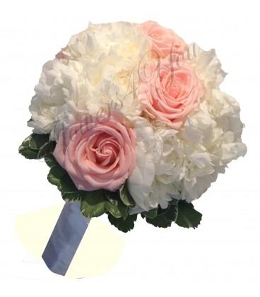 Buchet de mireasa bujori albi trandafiri roz