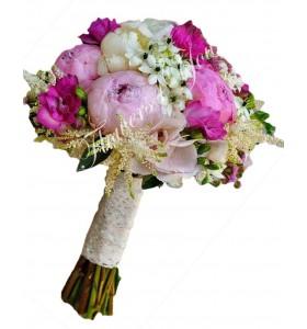 Buchet de mireasa frezia cyclam bujori roz ornitogalum astilbe