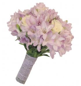 Buchet de mireasa frezia roz deschis trandafiri albi