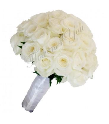 Buchet de mireasa rotund trandafiri albi
