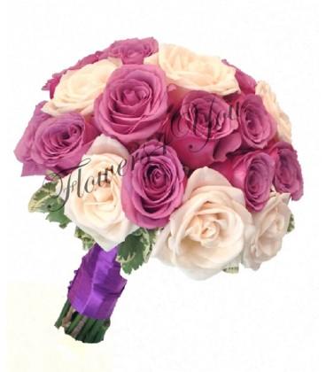 Buchet de mireasa trandafiri mov trandafir crem