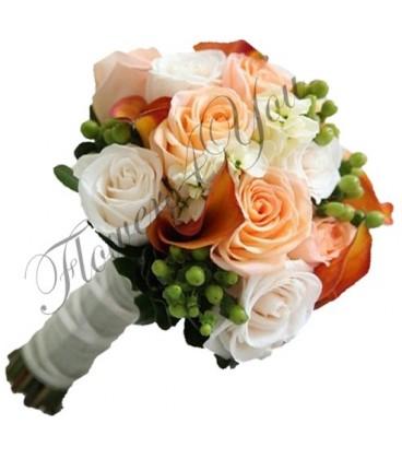Buchet trandafiri somon hipericum trandafiri albi cale mango matiola