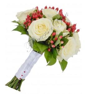 Buchet mireasa trandafiri hipericum