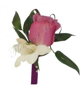 Cocarde trandafiri frezia ruscus