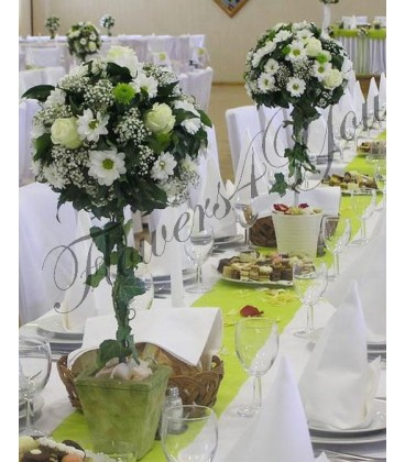 Aranjament floral nunta trandafiri gipsofila crizantema