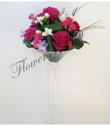 Aranjament floral nunta trandafiri frezia mini trandafiri
