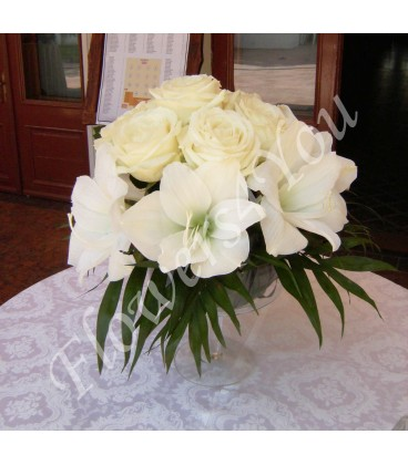 Aranjamente florale nunta amarilis trandafiri
