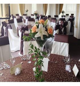 Aranjamente florale nunta trandafir somon crin alb