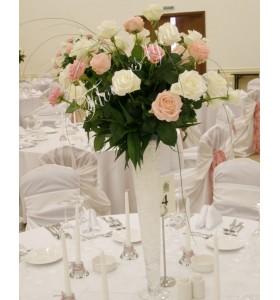 Aranjamente florale nunta trandafiri albi si roz