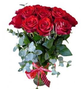 Buchet flori trandafiri grena eucalipt