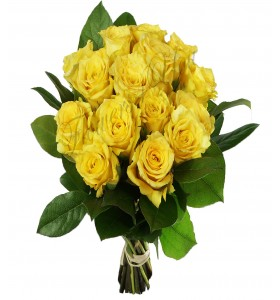 Buchet trandafiri galbeni salal