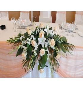 Aranjamente florale prezidiu trandafiri dendrobium crin