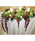 Aranjament floral prezidiu hortensie lumanari amaranthus trandafiri trandafirasi