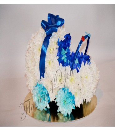 Aranjament floral botez carucior