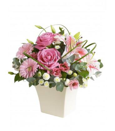Aranjament floral gerbera crin lisiantus