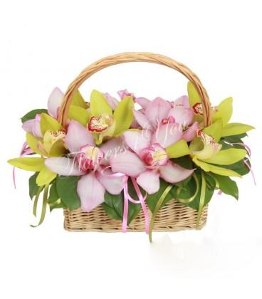 Aranjament floral orhidee grena si verde