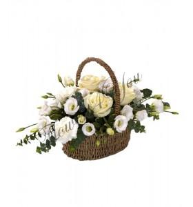 Aranjament floral trandafiri albi lisiantus