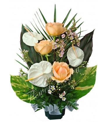 Aranjament floral trandafiri anturium