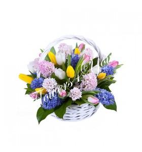 Aranjament floral zambile lalele