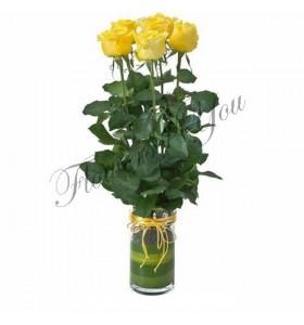 Aranjament 5 trandafiri galbeni