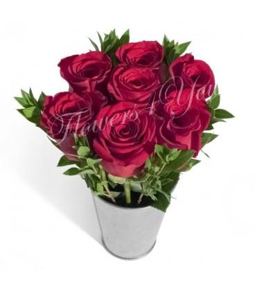 Aranjament 7 trandafiri cyclam