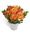 Aranjament trandafiri confetii