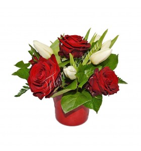 Aranjamente florale trandafiri  lalele