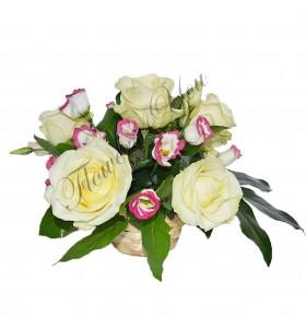 Aranjamente florale trandafiri lisiantus
