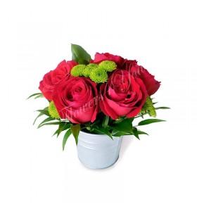Aranjament trandafiri rosii