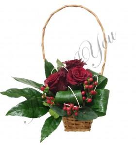 Aranjament martie trandafiri