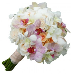 Buchet de mireasa trandafiri somon trandafiri crem phalaenopsis