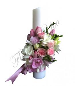 Lumanari nunta scurte frezii albe trandafiri roz