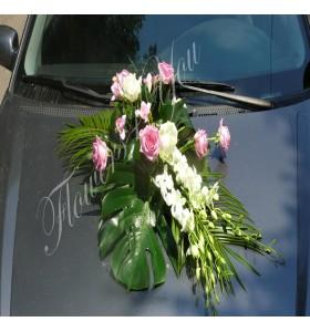 Aranjamente masina dendrobium trandafiri frezii