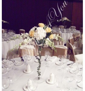 Aranjamente florale nunta hortensia trandafiri dendrobium