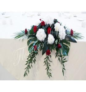 Aranjamente florale prezidiu trandafiri hortensia bujori