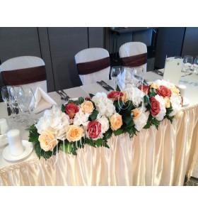 Aranjamente florale prezidiu trandafiri hortensia