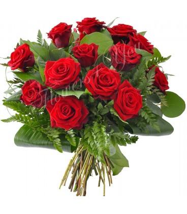 Buchet rotund trandafiri rosii