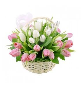 Aranjamente florale lalele alb si roz